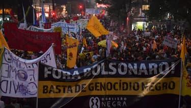 Des dizaines de milliers de personnes ont à nouveau manifesté samedi dans plusieurs villes du Brésil contre le président Jair Bolsonaro