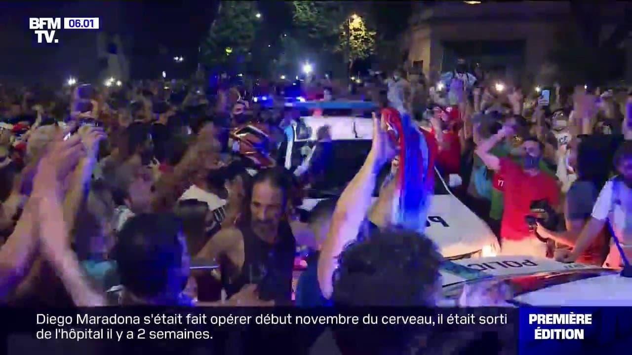 La dépouille de Maradona arrive au palais présidentiel à ...