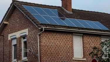 Les différents gestionnaires du réseau de distribution wallon d'électricité vont facturer leurs services aux particuliers producteurs d'énergie. (image d'illustration)