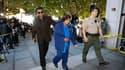 Jackie Jackson (à gauche) et sa mère Katherine Jackson, à leur arrivée à un tribunal de Los Angeles où a débuté mardi l'audition préliminaire du médecin traitant de Michael Jackson au moment de sa mort, le 25 juin 2009. Le Dr Conrad Murray, sous le coup d