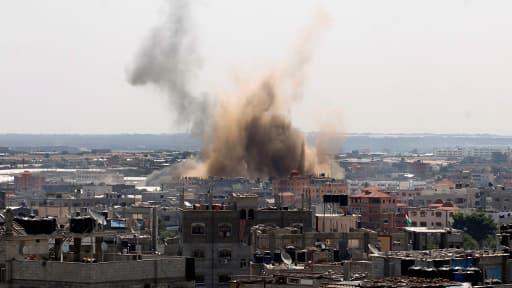 Un raid aérien, vendredi à Rafah, dans le sud de la bande de Gaza.