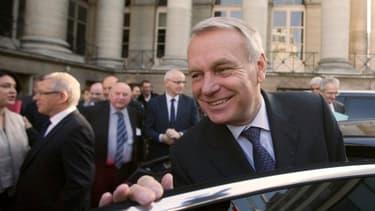 Jean-Marc Ayrault se déplace à Berlin, alors que les chiffres de la croissance française sont meilleurs que prévus.