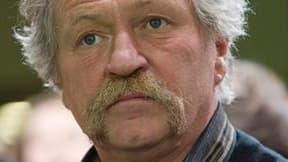 Le député européen José Bové a été condamné à 1.500 euros d'amende pour le fauchage, en août 2007, d'une parcelle de maïs transgénique à Servian, dans l'Hérault. /Photo prise le 16 janvier 2010/REUTERS/Gonzalo Fuentes