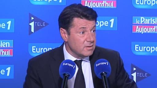 """Sur Europe 1, Christian Estrosi a appelé les maires de France """"à la révolte"""" contre les Roms."""