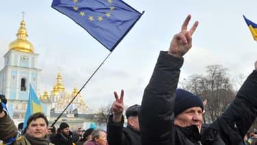 Manifestation de l'opposition pro-européenne au président Viktor Ianoukovitch à Kiev en Ukraine le 30 novembre 2013.