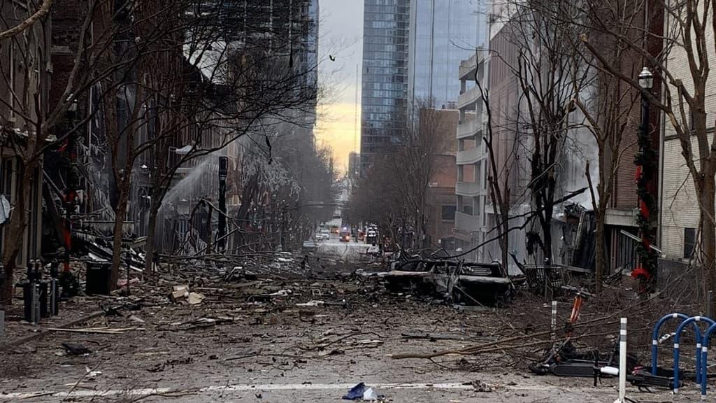 Etats-Unis : grosse explosion à Nashville, la piste de l'acte volontaire privilégiée