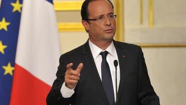 François Hollande reçoit ce vendredi soir son homologue russe, Vladimir Poutine, pour tenter de le convaincre de lever son opposition à des actions plus fermes contre le régime syrien afin de mettre fin au bain de sang dans ce pays. /Photo prise le 29 mai