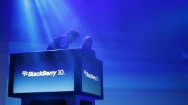 Le Blackberry 10, le dernier-né de la marque, n'a pas permis au groupe de reprendre du terrain sur Apple.