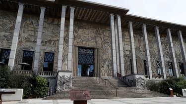Le palais de la porte Dorée abrite le musée de l'histoire de l'Immigration et un aquarium tropical.