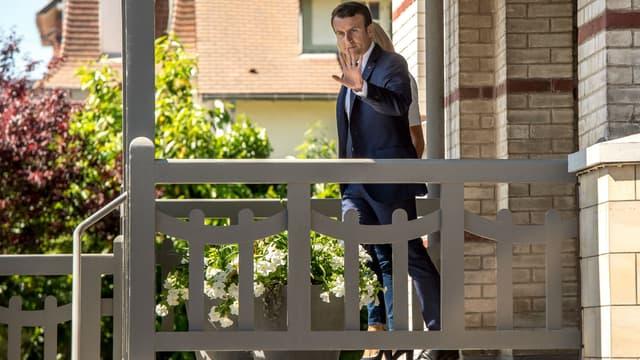 Emmanuel et Brigitte Macron quittent leur maison au Touquet le 11 juin 2017
