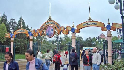 Le chiffre d'affaires de l'exploitant de Disneyland est en baisse de 6% sur les six derniers mois.