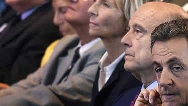 Les cadres des Républicains, également candidats à la primaire - à l'exception de Nicolas Sarkozy, le 27 septembre 2015 à Nogent-sur-Marne.