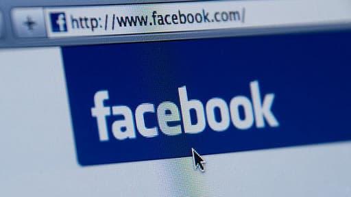 Facebook interdit l'accès à son réseau aux moins de 13 ans. Mais la règle est facilement contournable.