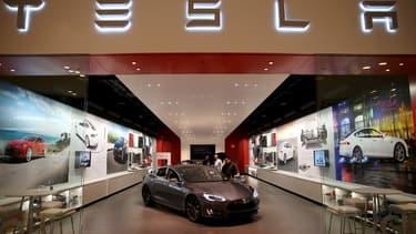 Nouvelle chute pour Tesla en Bourse