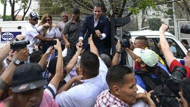 Juan Guaido, reconnu président par intérim du Venezuela par une cinquantaine de pays, accueilli par ses soutiens le 4 mars 2019 à Caracas.