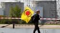 """Près de 4.000 personnes ont manifesté dimanche dans le Haut-Rhin pour demander la fermeture de la centrale nucléaire de Fessenheim, la plus ancienne de France. La manifestation s'est déroulée dans une ambiance """"très bon enfant"""" sur une île proche de la ce"""