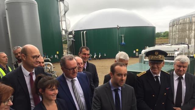 Sébastien Lecornu, secrétaire d'État auprès du ministre de la Transition écologique et solidaire, a inauguré la centrale biogaz de Chateaulin (Finistère).