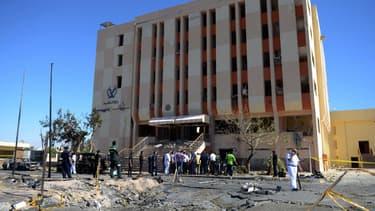 Depuis la chute de Mohamed Borsi, les jihadistes d'Ansar Beït al-Maqdess ont perpétué plusieurs attentats en Egypte, dans le Sinaï, comme ici en octobre 2013 où une attaque a visé le quartier général de la police à al-Tur.