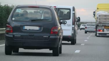 Le Renault Scénic diesel 1ère génération n'aura plus de droit de circuler dans Paris intra-muros en semaine.