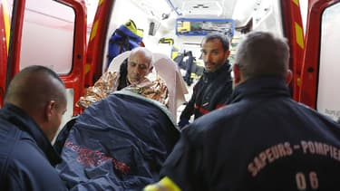 Un blessé, évacué après le déraillement du train à Saint-Benoît vers le CHU de Nice.