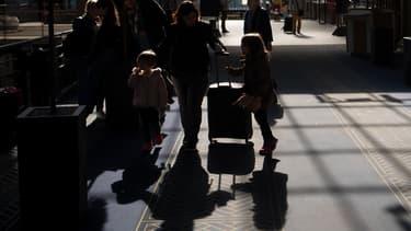 Pour les opposants à la réforme ferroviaire, le combat continue. Pour les usagers qui comptent partir en vacances début juillet, la galère aussi