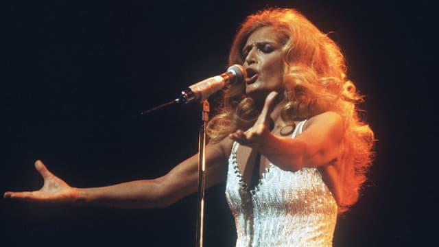 Dalida en concert à l'Olympia à Paris le 18 mars 1981.