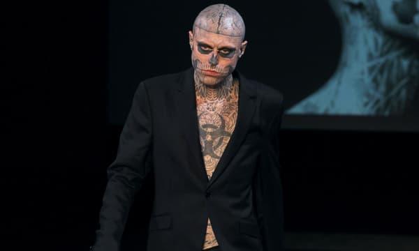 Rick Genest, aka Zombie Boy, lors de la Fashion Week de Paris en janvier 2011