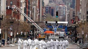 Maintenant que les deux suspects d'origine tchétchènes ont été neutralisés, les enquêteurs cherchent à établir les mobiles du double attentat du marathon de Boston, qui a fait lundi trois morts et réveillé le spectre du terrorisme aux Etats-Unis. /Photo p