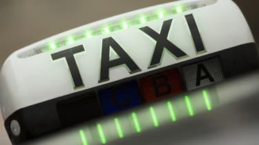 Un des chauffeurs interpellés mardi lors d'incidents pendant la manifestation des taxis a été condamné au tribunal correctionnel de Paris à deux mois de prison avec sursis - 28 janvier 2016
