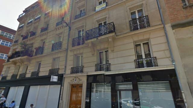 """Selon """"20 Minutes"""", le studio se situe dans cet immeuble, rue Léon Cogniet dans le XVIIe arrondissement de Paris."""