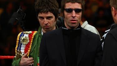 Les frères Gallagher en 2008, lors d'un matche de boxe.