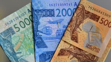 """""""L'Eco verra le jour en 2020, je m'en félicite"""", a déclaré le président français en citant le nom de la monnaie commune qui doit remplacer le franc CFA dans huit pays francophones de l'Afrique de l'Ouest."""