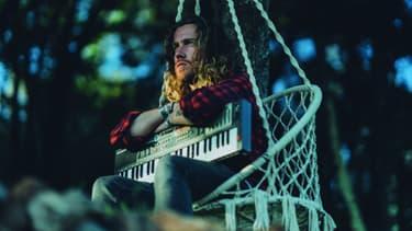 """Julien Doré sort son album acoustique """"Vous & moi"""", le 2 mars 2018"""