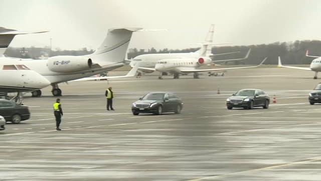 Le cortège de voitures officielles d'Abdelaziz Bouteflika.