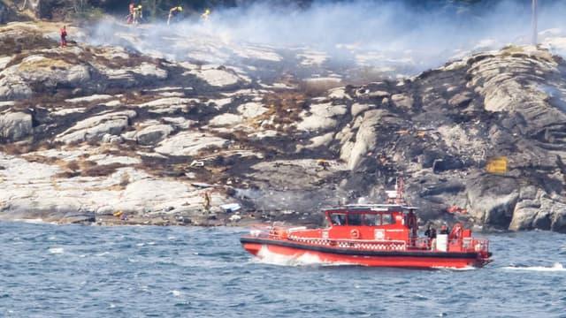 Un hélicoptère s'est écrasé dans l'ouest de la Norvège. Les secours n'ont détecté aucun signe de survivant.
