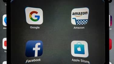 Sundar Pichai (Alphabet, maison mère de Google), Tim Cook (Apple), Mark Zuckerberg (Facebook) et Jeff Bezos (Amazon) répondront aux questions d'une commission parlementaire