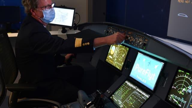 """Sur le site toulousain du groupe Thales, près de 1.000 personnes travaillent """"sur le cerveau des avions de demain"""", c'est-à-dire les systèmes informatiques de gestion de vol."""