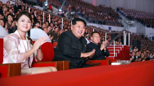 Ri Sol-Ju aux côtés de Kim Jong-Un en 2015.