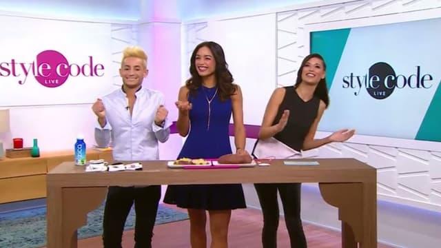 """L'émission """"Style Code Live"""" est animée par trois jeunes présentateurs, deux femmes et un homme, qui proposeront des séquences sur les nouvelles tendances, des produits et des conseils vestimentaires ou beauté."""