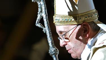 Le pape François, célébrant la messe de l'épiphanie à St Pierre de Rome, le 6 janvier 2014.
