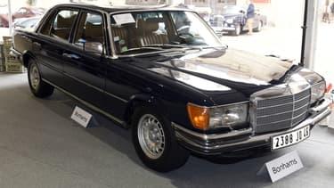 La Mercedes-Benz 450 SEL 6.9 ayant appartenu au chanteur Claude François.
