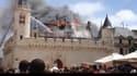 Image amateur de l'incendie de la mairie de La Rochelle.