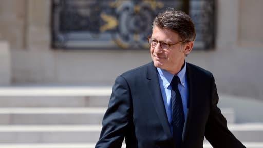 Le ministre de l'Education Vincent Peillon quittant le Conseil des ministres le 13 juin 2012