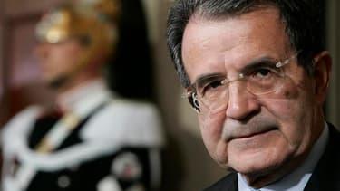L'ancien président du Conseil Romano Prodi, présenté par le centre-gauche, n'est pas parvenu, lors du quatrième tour de l'élection présidentielle au parlement italien, à réunir la majorité simple nécessaire à son élection. /Photo d'archives/REUTERS/Tony G