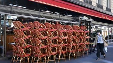 Un restaurant fermé à Paris, le 30 mai 2020