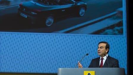 Renault a décidé de rapatrier dans son usine normande de Sandouville la production de son fourgon Trafic, aujourd'hui réalisée en Espagne et en Grande-Bretagne, comme son PDG, Carlos Ghosn, s'y était engagé fin 2008. L'information a été confirmée par le c