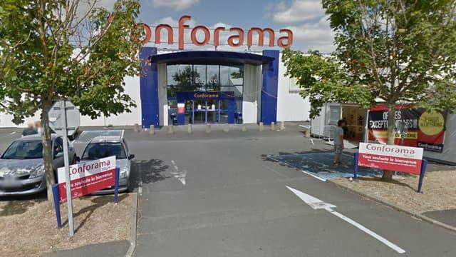 Le Conforama de la zone commerciale Mendès-France, à Niort (Deux-Sèvres)
