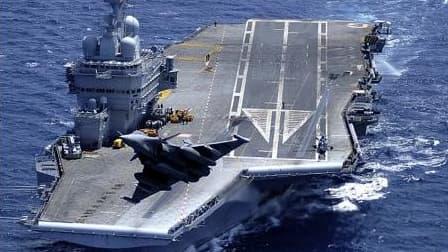 Les traités passés entre la France et la Grande-Bretagne permettront la mise en commun des porte-avions, d'unités de terrain, mais aussi de la recherche nucléaire.