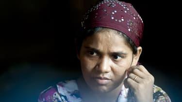 Une musulmane Rohingya libérée après avoir été victime d'un trafic d'êtres humains en mai 2015.