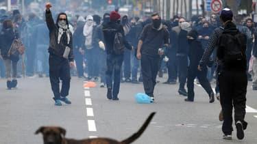 Lors d'une manifestation interdite, samedi à Toulouse.
